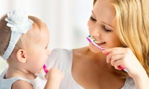 Приучение с детства к гигиене рта