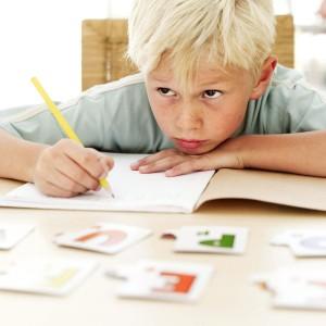 Ребенок за уроками