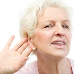 Бабушка плохо слышит